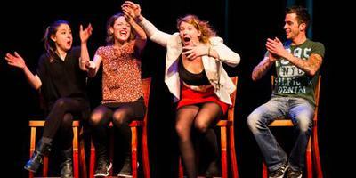 Cabaretière Kiki Schippers stelt première uit