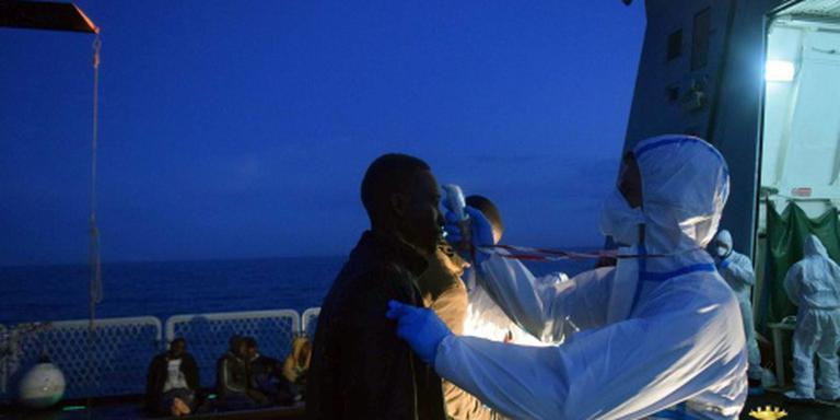 Italianen redden ruim 900 bootmigranten