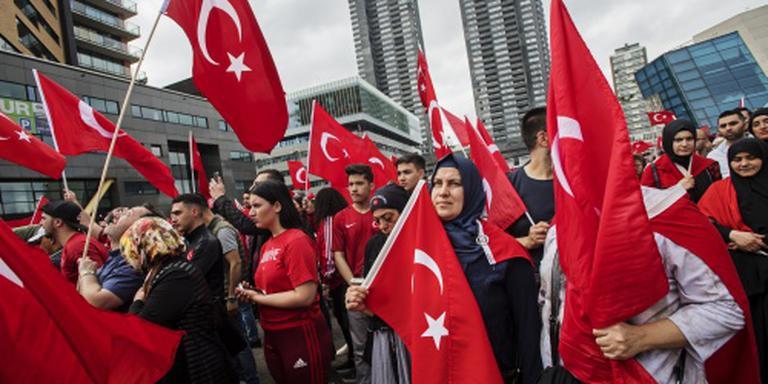 Aboutaleb roept Turken op kalm te blijven