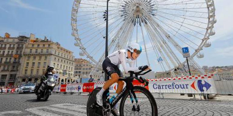 Sky legt ook wielrenner Rowe langer vast