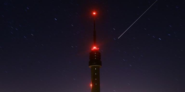 Vallende sterren te zien tijdens koude nacht