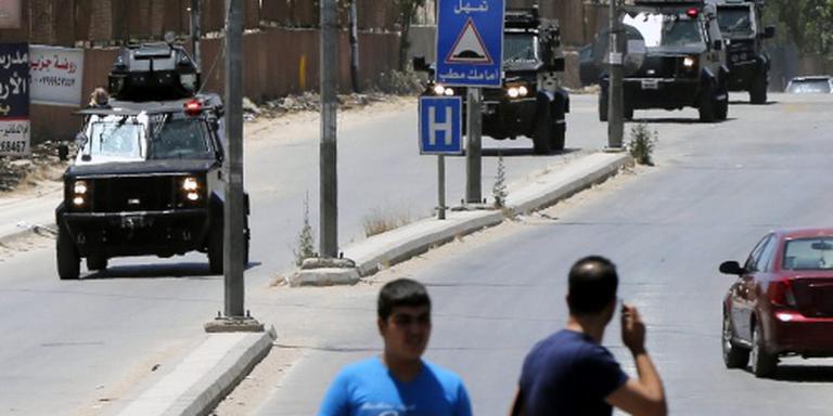 Jordaanse agenten gedood bij aanval in kamp