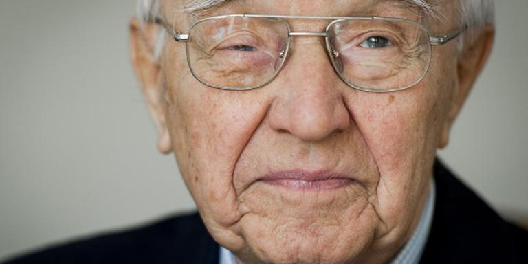 Oud-premier Piet de Jong (101) overleden