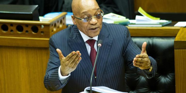 Zuma onderzoekt aanschaf dure auto's vrouwen