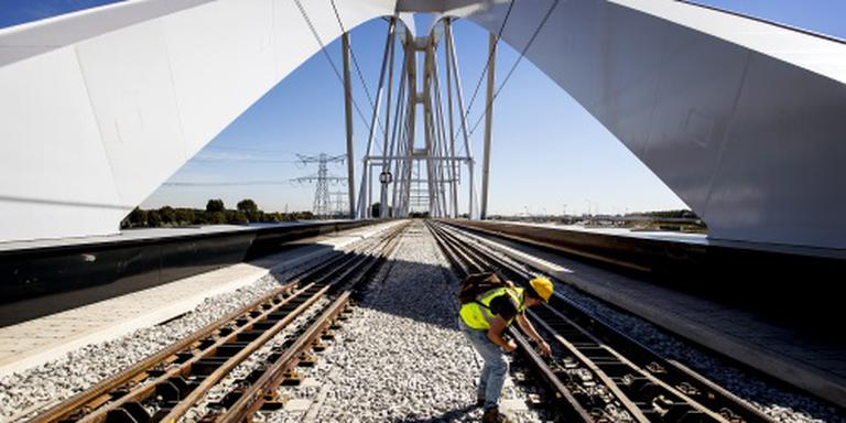 ProRail bespaart 30 miljoen op spoorproject
