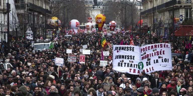 Fransen betogen tegen hervorming arbeidsmarkt