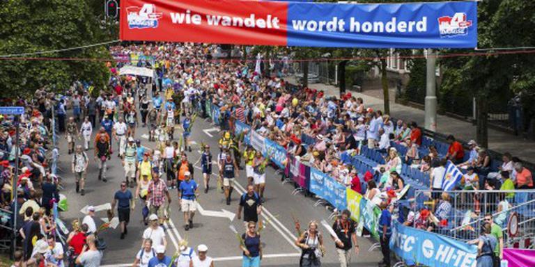 Wandelaars noemen 100ste Vierdaagse ,,zwaar''