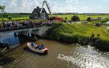 Maarten van der Weijden zwemt in de Swette. FOTO LC/ARODI BUITENWERF