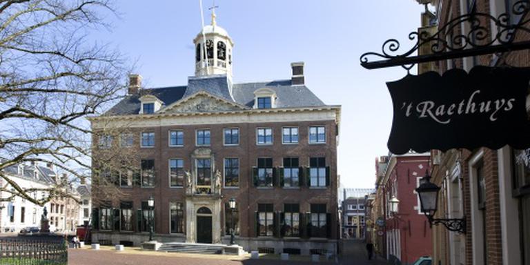 Het stadhuis aan het Hofplein in Leeuwarden.