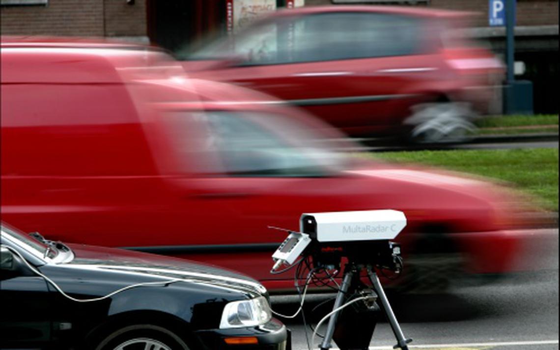 Ruim negentig verkeersboetes uitgedeeld bij Raerd - Leeuwarder Courant