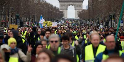 Opnieuw tienduizenden bij protesten Frankrijk