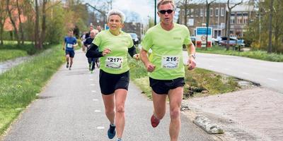 Marjan en Frank de Ruiter trekken samen op, in trainingen en wedstrijden. FOTO JOLANDA SIEMONSMA