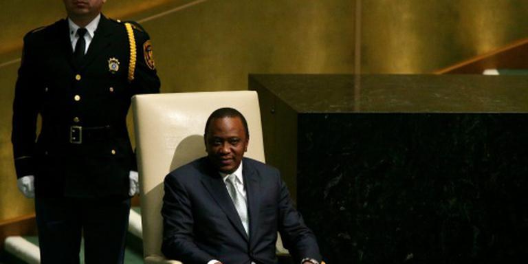 President Kenia uitgefloten in parlement