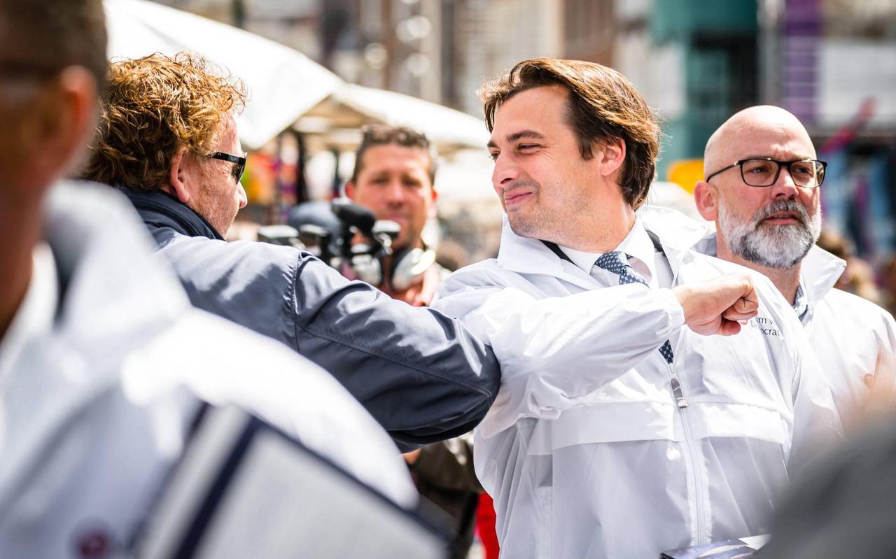 Thierry Baudet flirt met 'Forumland', een land met louter volgelingen van Forum voor Democratie.