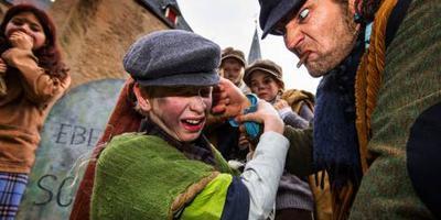 Besneeuwd Dickens Festijn weer drukbezocht