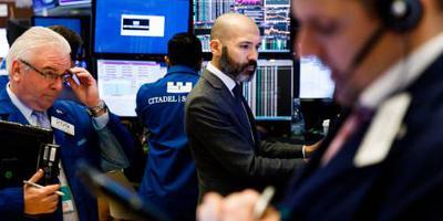 Wall Street lager op zorgen handel en politiek
