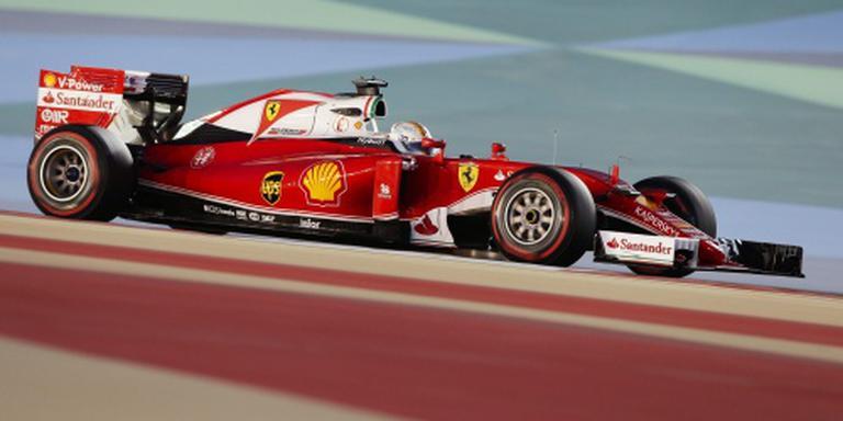 Motor Vettel begeeft het tijdens opwarmronde
