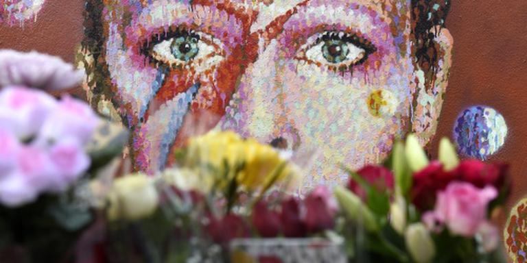 Glastonbury eert Bowie en Prince