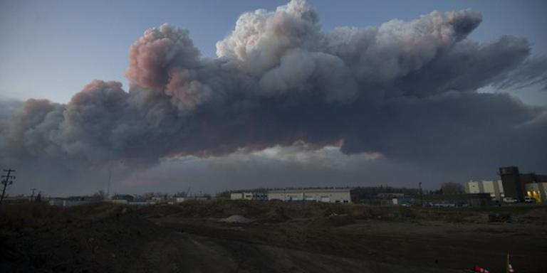 Bewoners Fort McMurray weer terug na bosbrand
