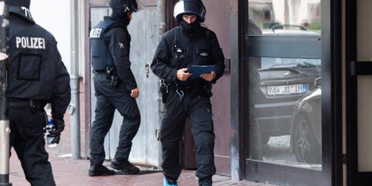 Politie valt broedplaats salafisten binnen