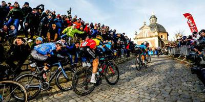 Aerts is Van Aert te snel af in Waterloo
