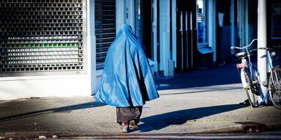 Algerije verbiedt nikab op het werk