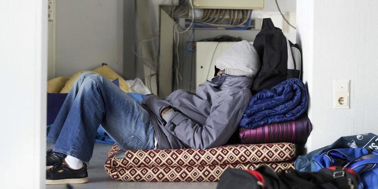 Crone: 'Minimale voorzieningen voor illegalen'