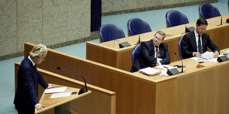 Van der Steur monter debat in