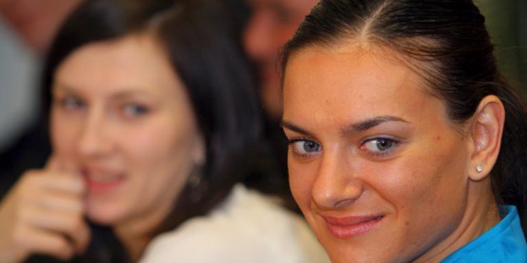 Isinbajeva vestigt hoop op IOC-voorzitter