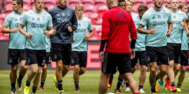 Ajax met Westermann en Gudelj tegen PAOK