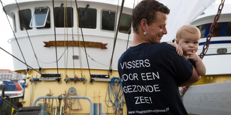 Boze vissers delen protestvis uit