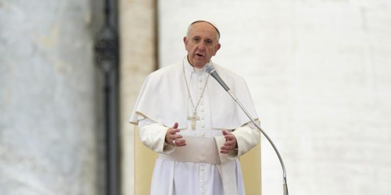 Paus maant Mexico geweld aan te pakken