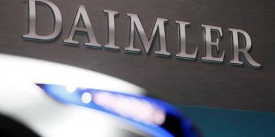 Daimler trekt portemonnee voor accu's