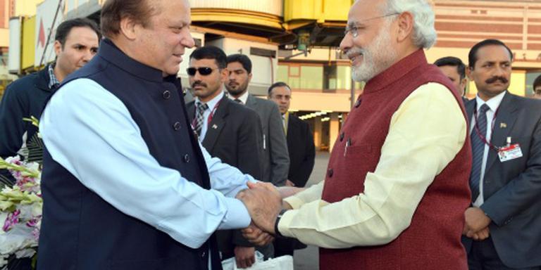 Verrassingsbezoek premier India aan Pakistan