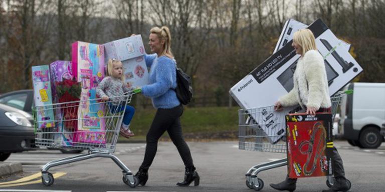 Consument helpt Britse economie vooruit