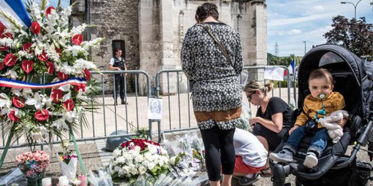 Neef van aanvaller kerk vast in Frankrijk