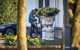 'Kabinet iets positiever over doorgaan versoepeling op 28 april'.