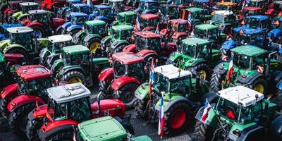 Boeren krijgen pas eind januari te horen welke nieuwe stikstofmaatregelen het kabinet voor hen in petto heeft.