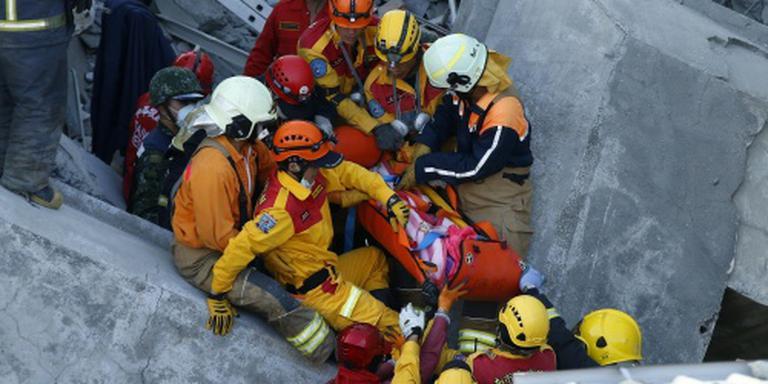 Meisje van 8 gered uit puinhopen pand Tainan