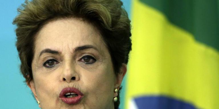 Rousseff vecht tegen afzetting door parlement