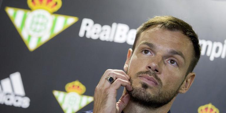 Ajax legt verdediger Westermann vast