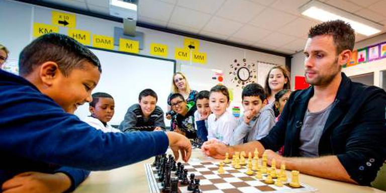Nick Schilder voor even weer schaker