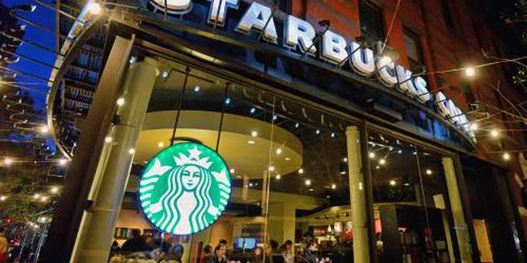 8000 Starbucks dicht om training tegen racisme