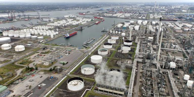 Brand bij methanolopslag Rotterdamse haven