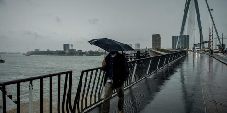 Wateroverlast rond Rotterdam door regen