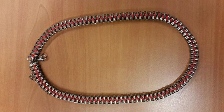 Wie herkent gestolen halsketting?