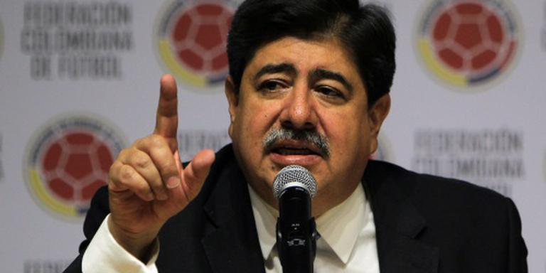 FIFA wil weer twee voetbalbazen royeren