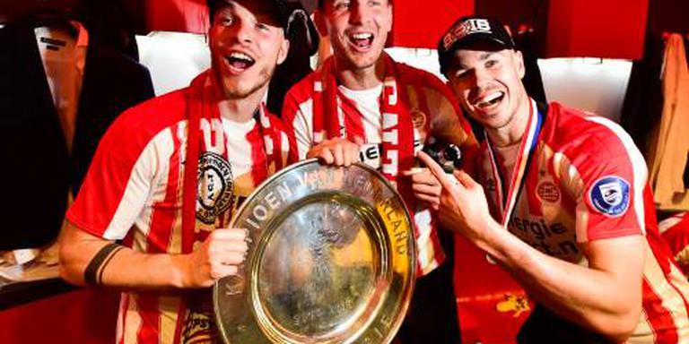 PSV op de platte kar door Eindhoven