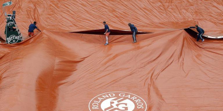 Regen hindert Roland Garros opnieuw