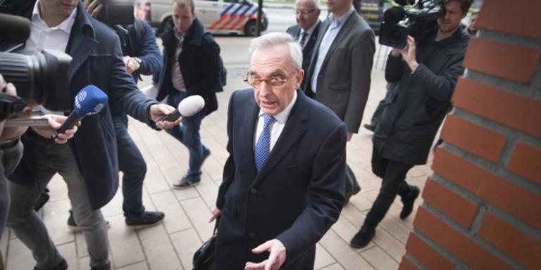 Rechtbank 'parkeert' ambtsmisdrijven Van Rey